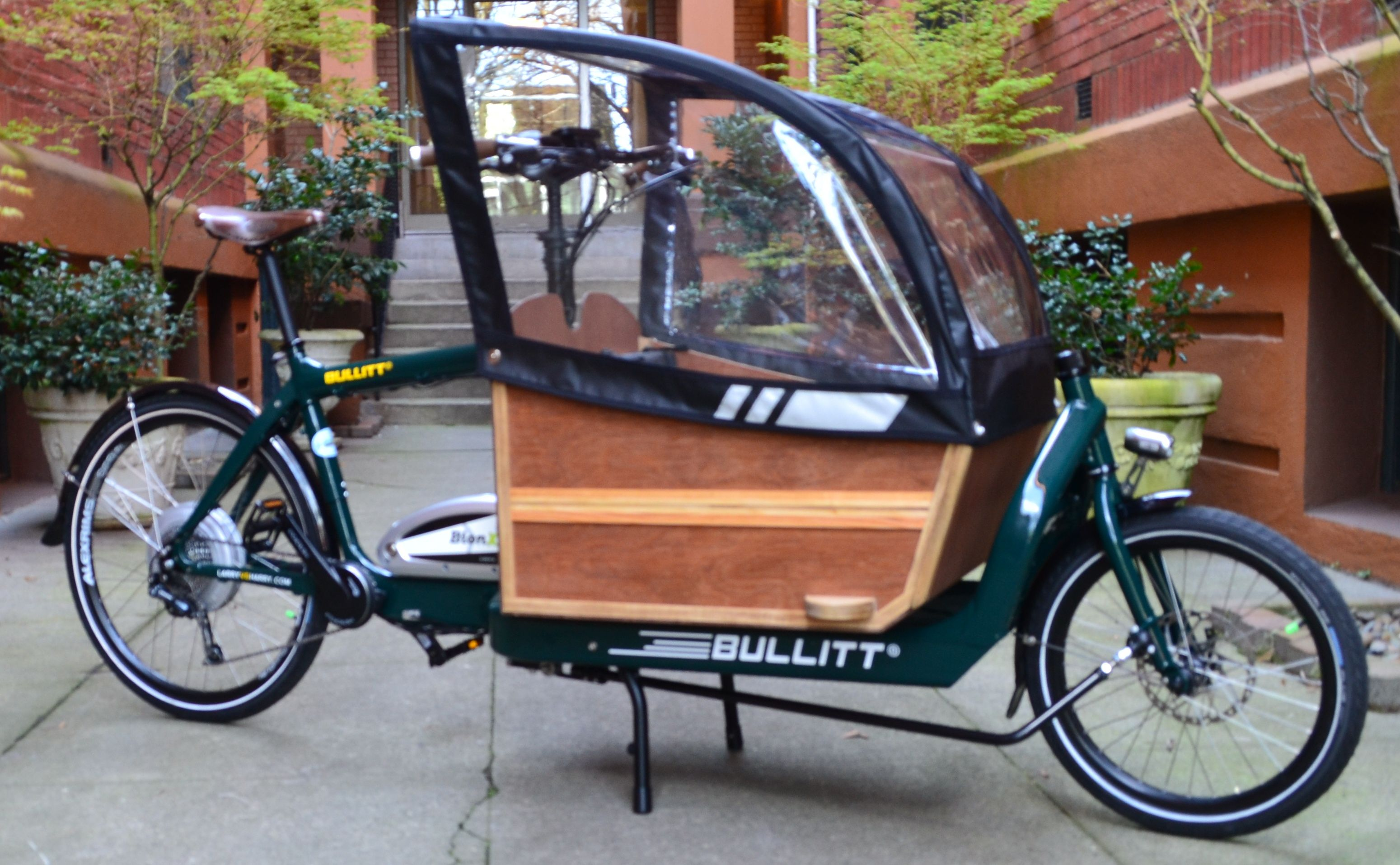 e asited bullit cargo bike with covered cargo bay cargo. Black Bedroom Furniture Sets. Home Design Ideas