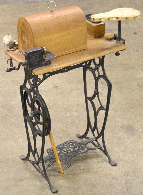 40 Victorian Youth Treadle Sewing Machine On Old Metal Sewing Extraordinary Youth Sewing Machine