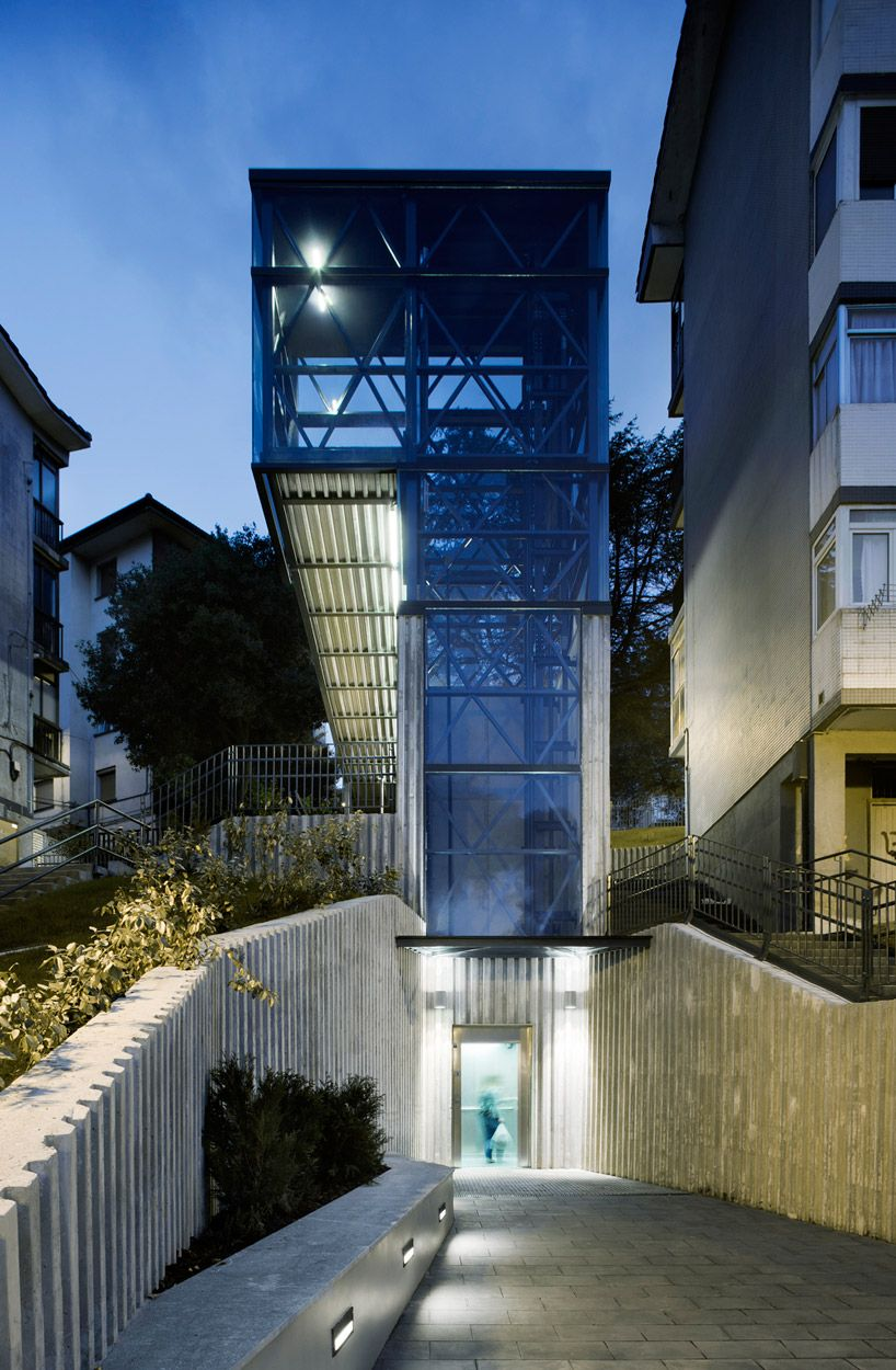 Architecture Interesting Exterior Home Design With: Vaumm Arkitektura: Urban Elevator