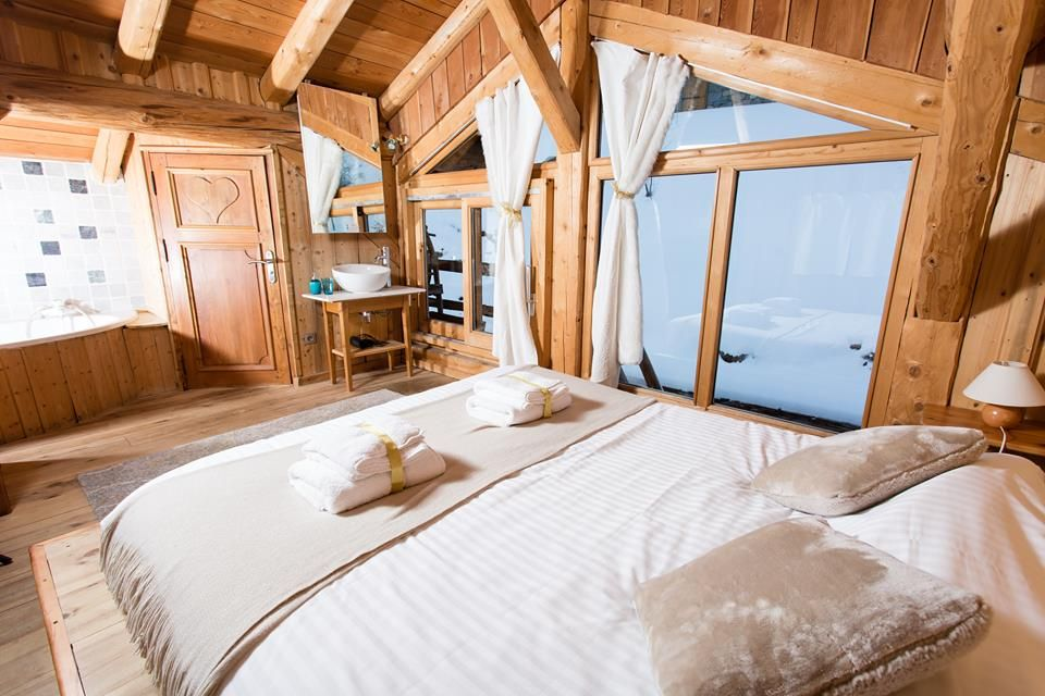 Want A Luxurious Ski Holiday Without The Associated Pricetag
