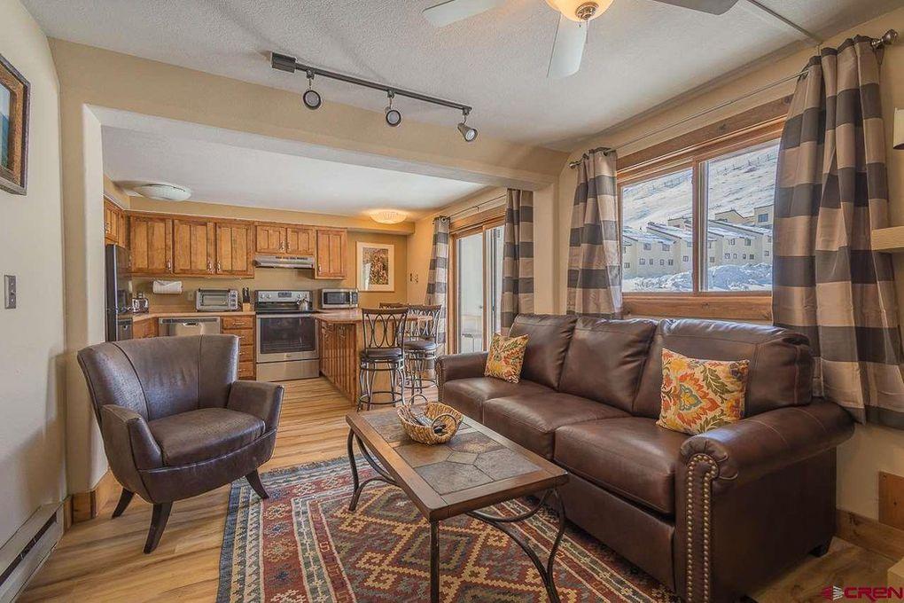 Beautifully decorated ski condo lake tahoe cabin south