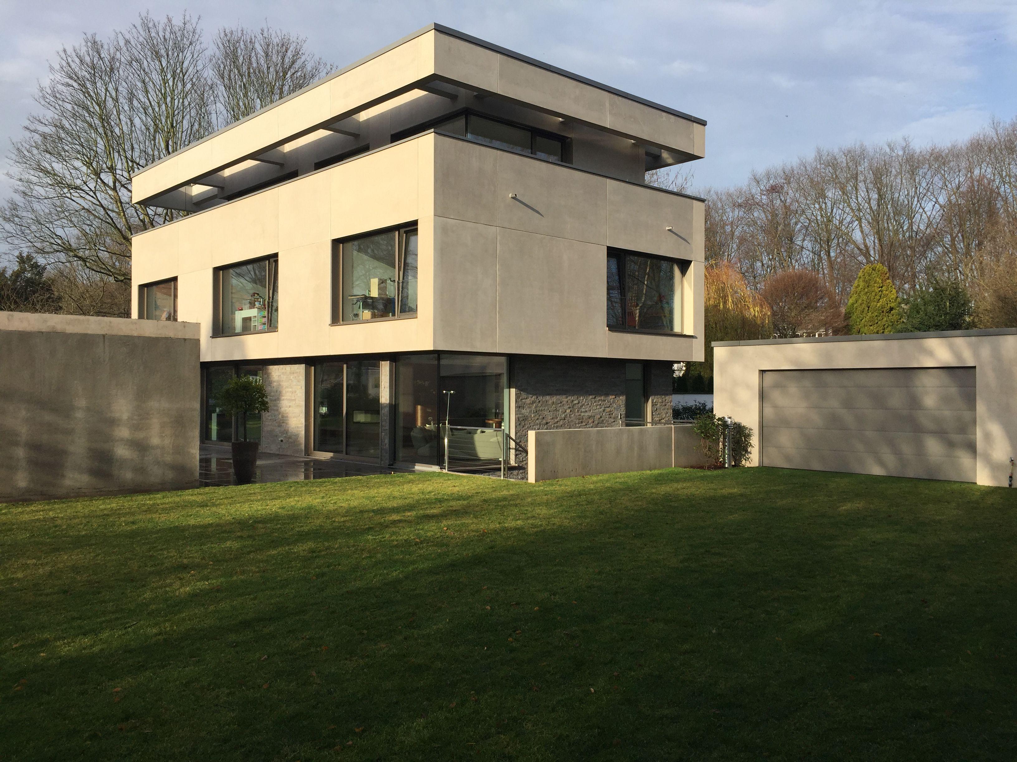 Modernes Einfamilienhaus im Bauhaus Stil. Exklusive