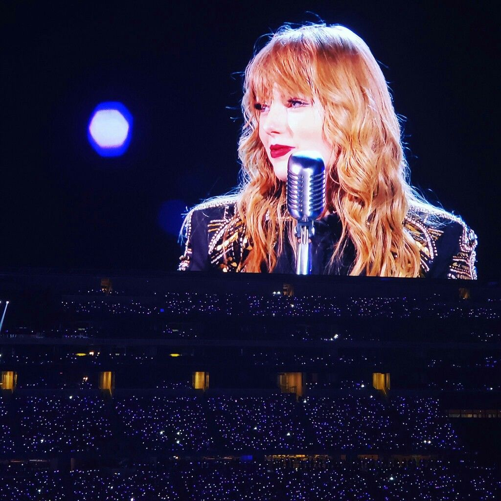 Pin by pudica on Taylor Swift | Taylor swift concert ...