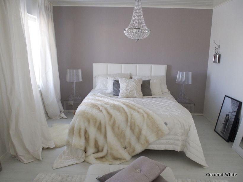 Coconut White: Makuuhuoneen vaalea kesäilme ja uusi ruusutyyny!