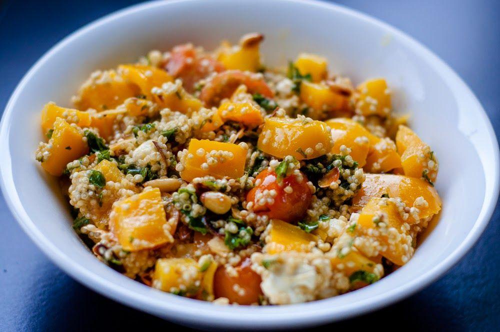 Three girls, one kitchen! : Wat eten we vandaag: Quinoa met boerenkool, feta, paprika & amandelschaafsel