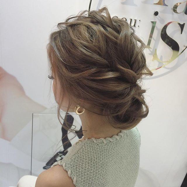 結婚式美容師髪型ブライダルヘアアレンジヘアアクセヘアセットプレ花嫁セット結婚ドレス花嫁編み込みルーズ卒花嫁美容院美容室ヘアメイク