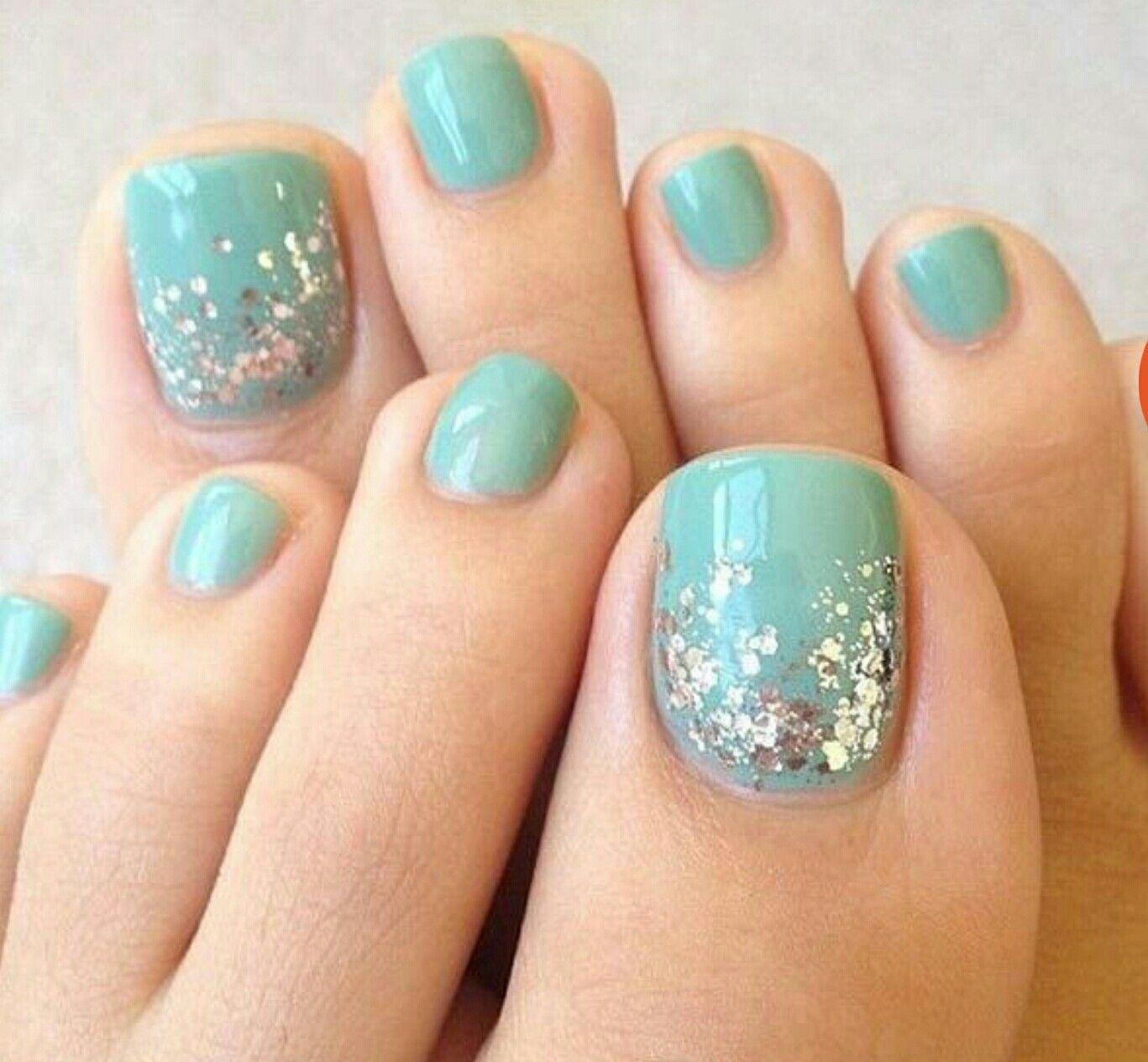 Pin von Courteney Greer auf blue nail polish | Pinterest