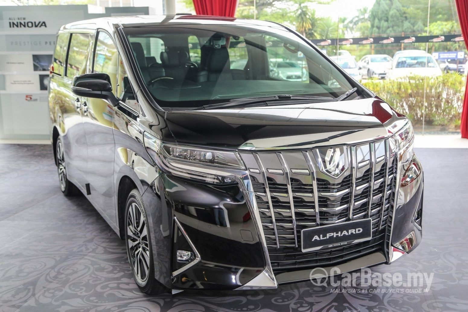 The 2020 Toyota Alphard Will Get A Facelift According To The Most Recent Reports This Minivan Is Extremely Popular In Japan And It Is Likewise Offered On Mobil
