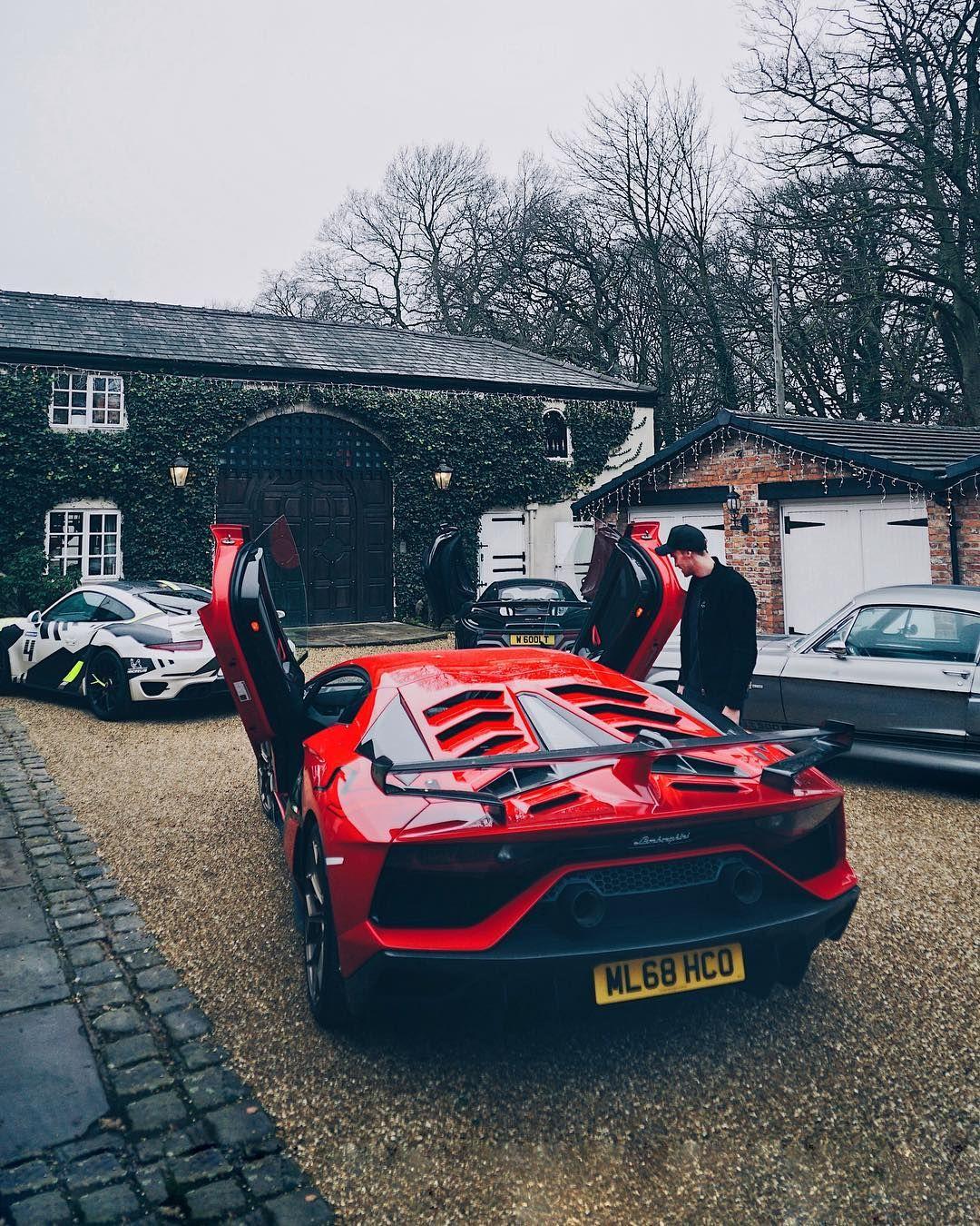 "official photos 80da7 4700b Oliver Webb on Instagram: ""Name your 4 car garage!? Awesome ..."