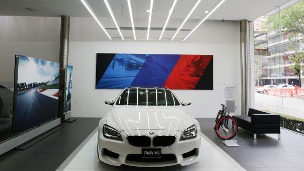 Bmw Pledges 1 Billion To Build Car Plant In Mexico New Luxury Cars Bmw Car Dealership Bmw