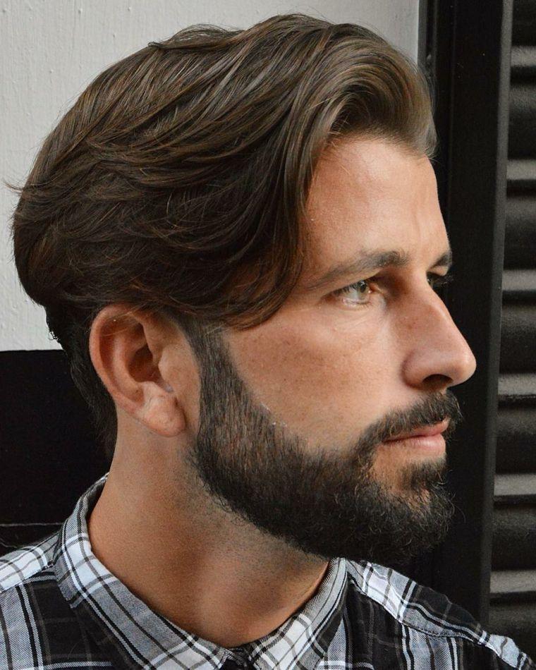 Ragazzi capelli lunghi e barba