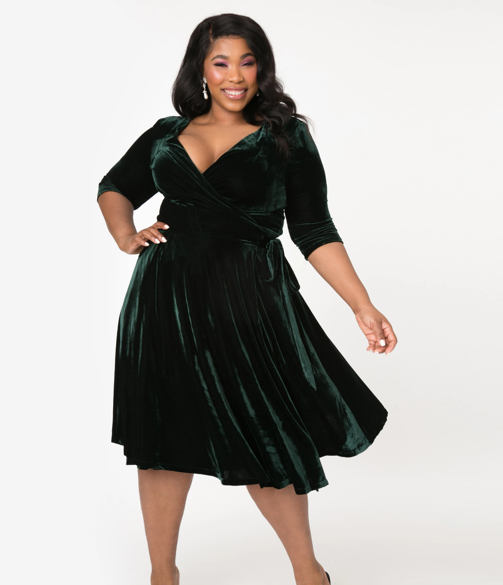 Unique Vintage Plus Size 1940s Style Emerald Velvet Kelsie Wrap Dress Cocktail Attire Dresses 1940s Fashion [ 1164 x 1000 Pixel ]