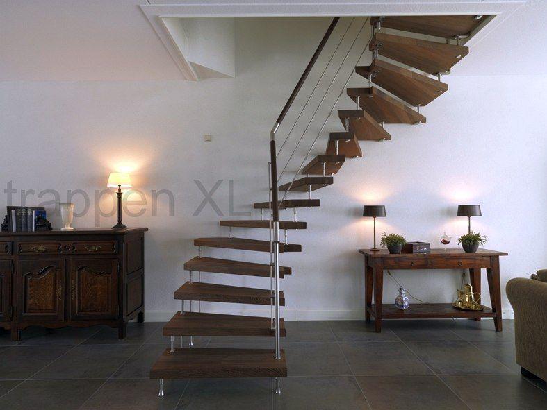 Vrijdragende trap met houten treden draaitrap for Looplijn trap