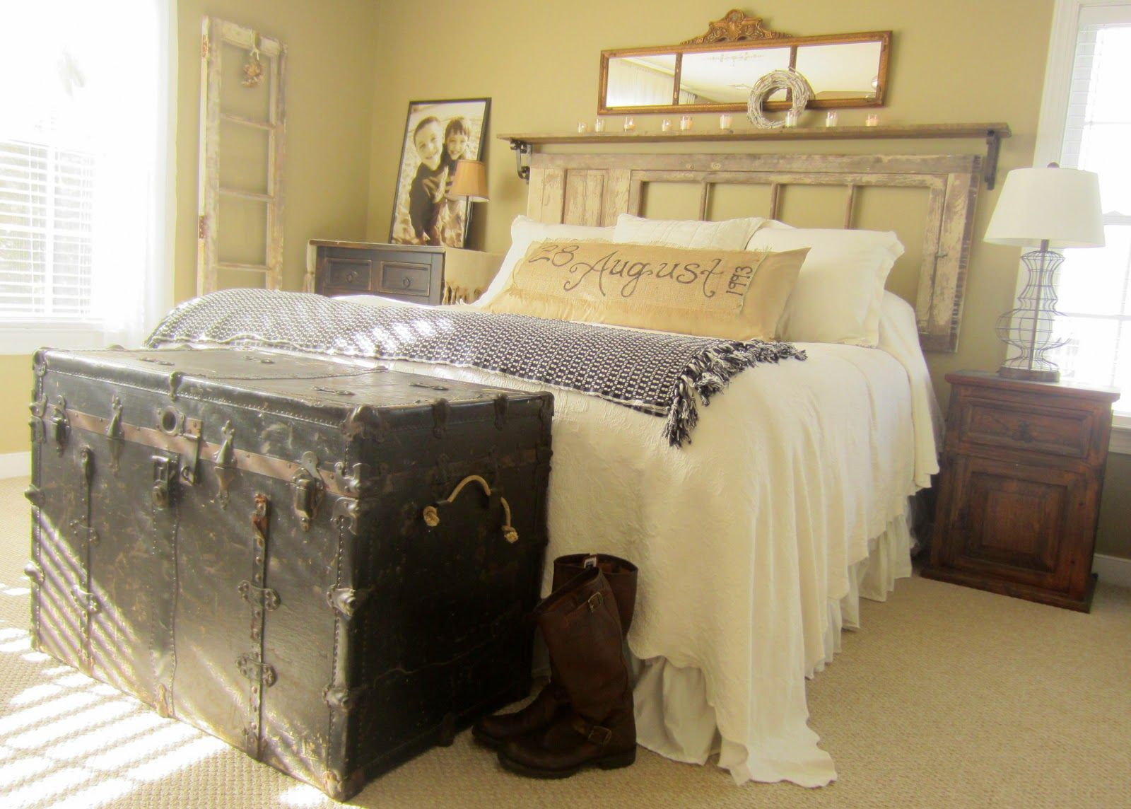 Love this down to earth style vintage rustic master for Earth bedroom