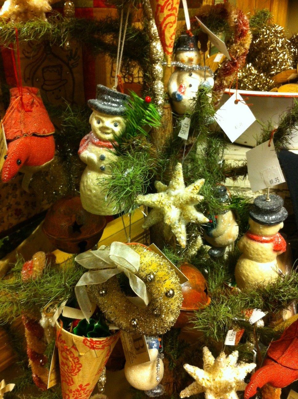love the wreath ornament