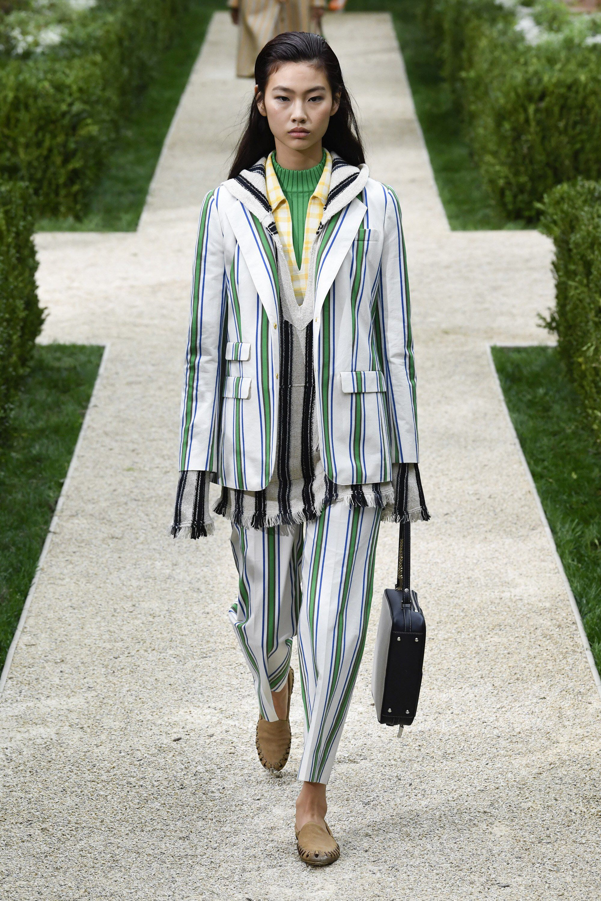 3bb9828e0db Tory Burch Spring 2019 Ready-to-Wear Fashion Show Collection  See the  complete Tory Burch Spring 2019 Ready-to-Wear collection. Look 37