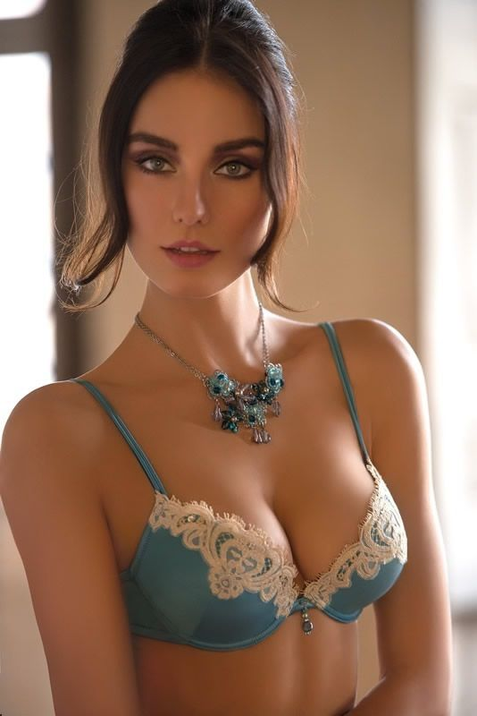 Sultry women pics