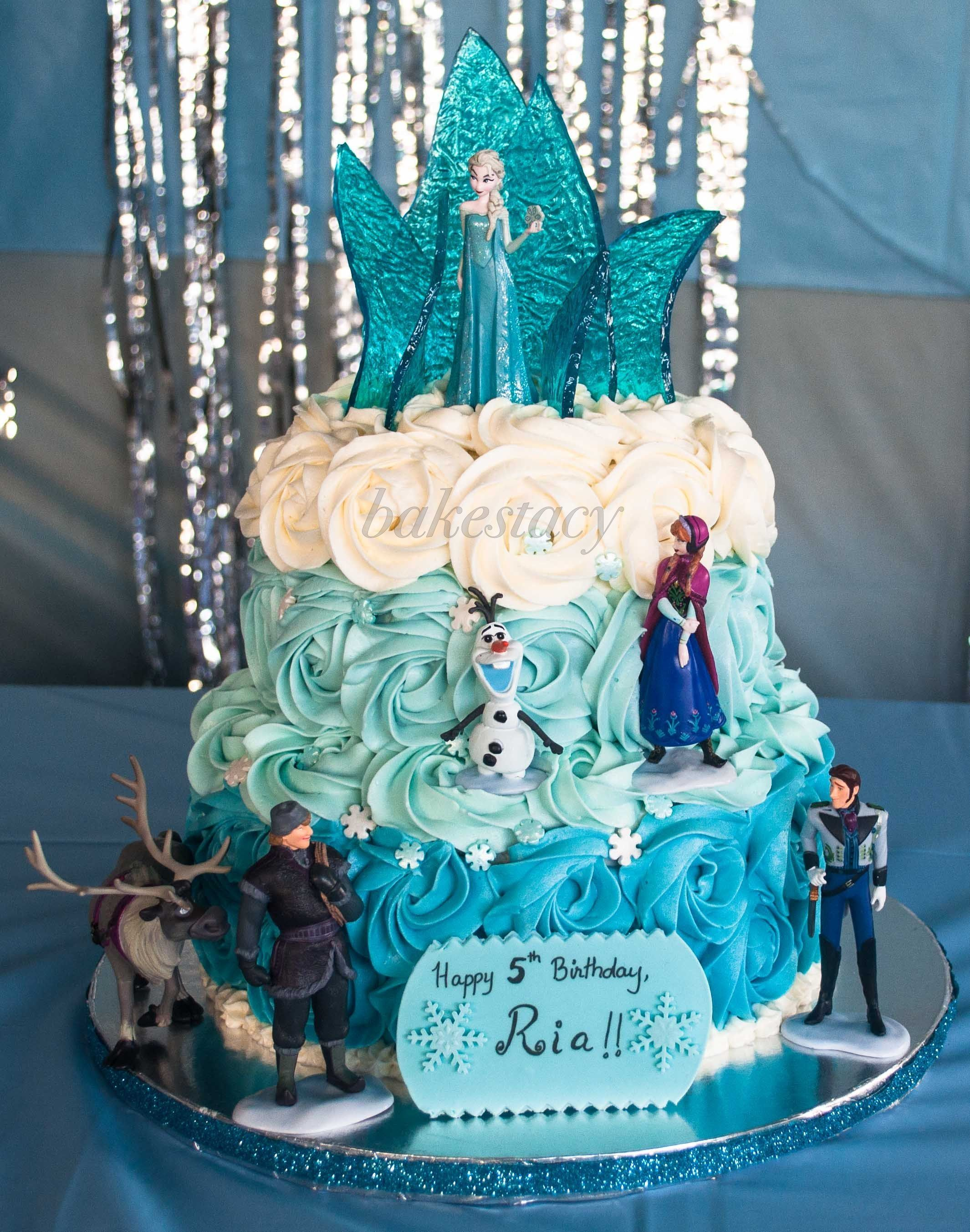 Frozen Themed Cake For A Little Girl Who S A Big Fan Of Elsa