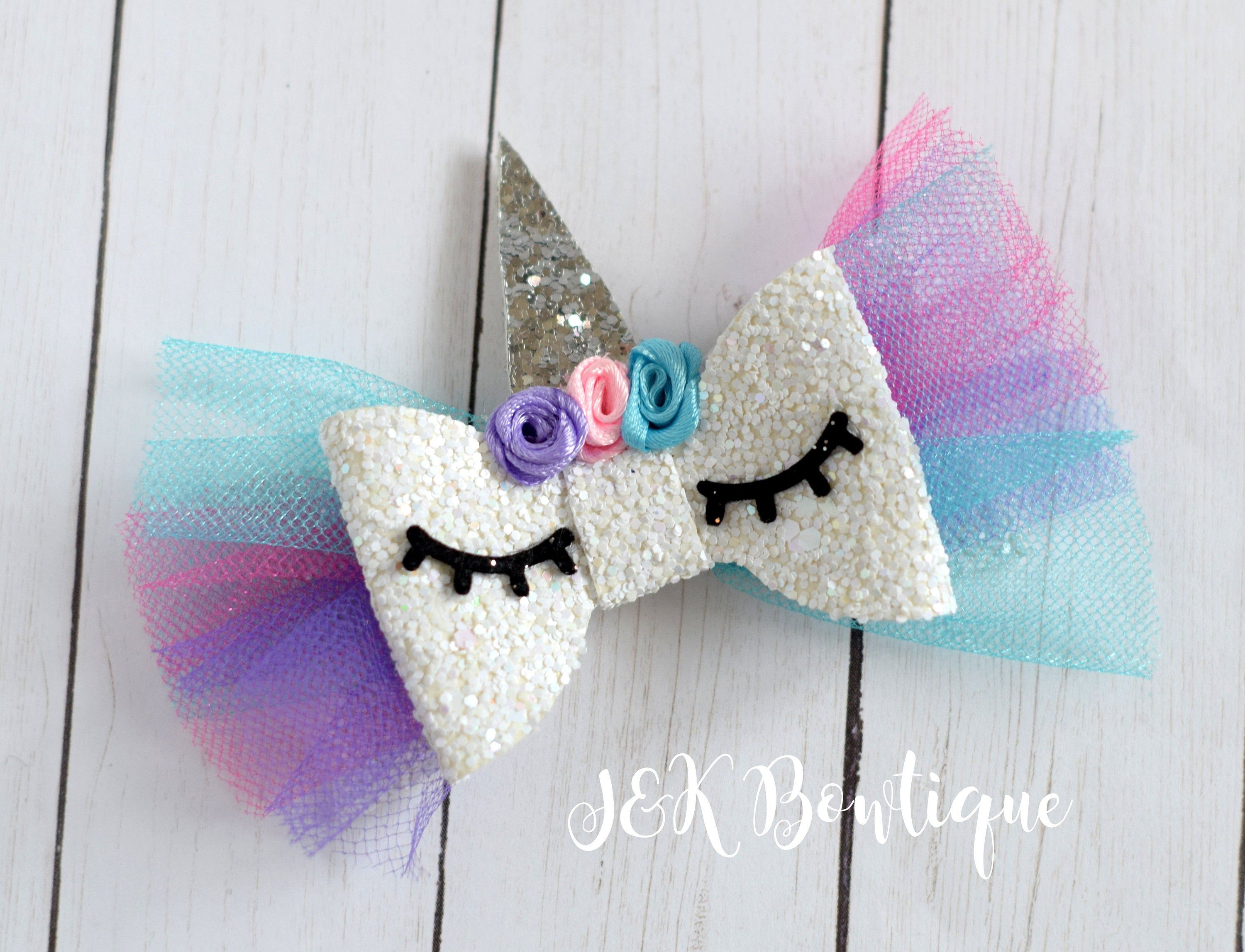Unicorn hair bow, glitter unicorn bows, pink and white hair bow, Unicorn hair bows birthday gift, unicorn horn, unicorn party, Gift For Girl
