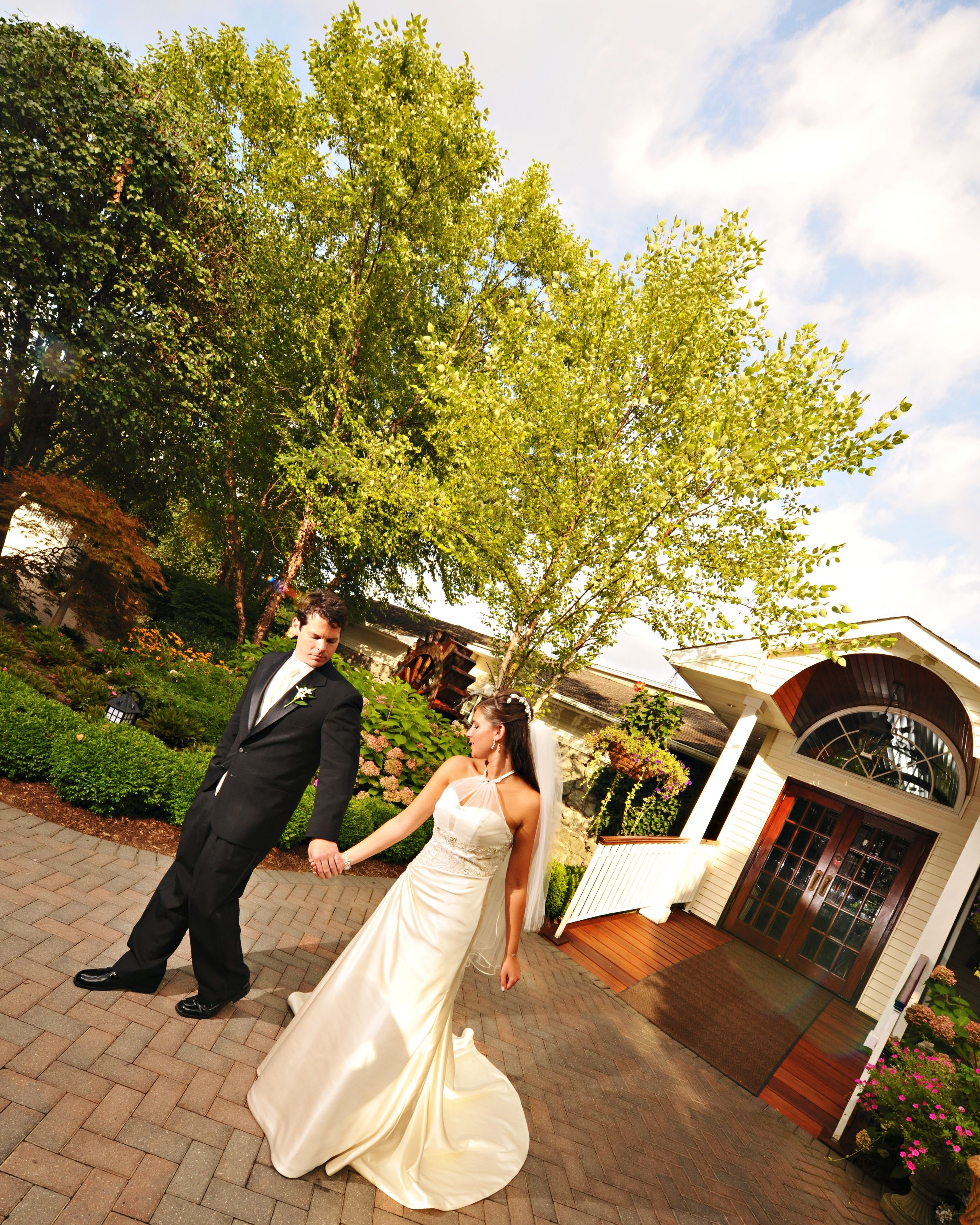 LongIslandWeddings are specialty at the Watermill Caterers ...