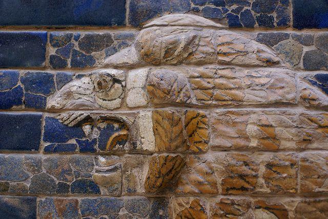 Berlin Pergamonmuseum Ischtar Tor Aus Babylon Lowe Als Symbol Der Gottin Ischtar Ishtar Gate Of Babylon Lion Symbol Gate Of Babylon Ishtar Pergamon Museum