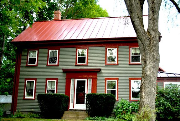 I Like The Siding Color For This Red Roofed Home Plus Trim Helps Tie Things Together