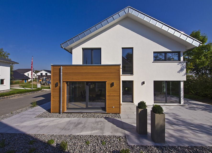 haus future au enansicht fertighaus weiss plusenergiehaus satteldach haus future. Black Bedroom Furniture Sets. Home Design Ideas