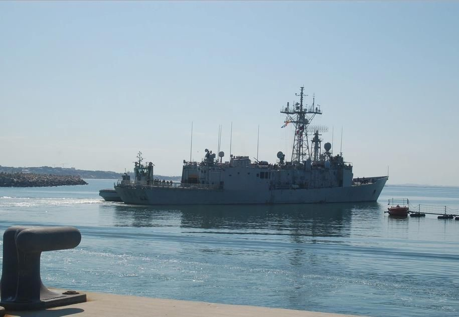 Spanish Navy frigate Reina Sofía (F-84) departed Rota Naval Base yesterday, May 18, to relieve ESPS Numancia, another Spanish Navy frigate integrated into Operation Sophia since January 2016.  Numancia has participated in multiple rescue operation during her deployment. Just recently, the frigate worked with Royal Navy's HMS Enterprise to save 436 migrants.  Operation Sophia is a multinational mission set up by the European Union to search and rescue migrants, and help stop human…
