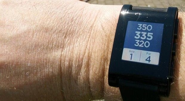 Pebble gets a golf app now, twoway app support within a