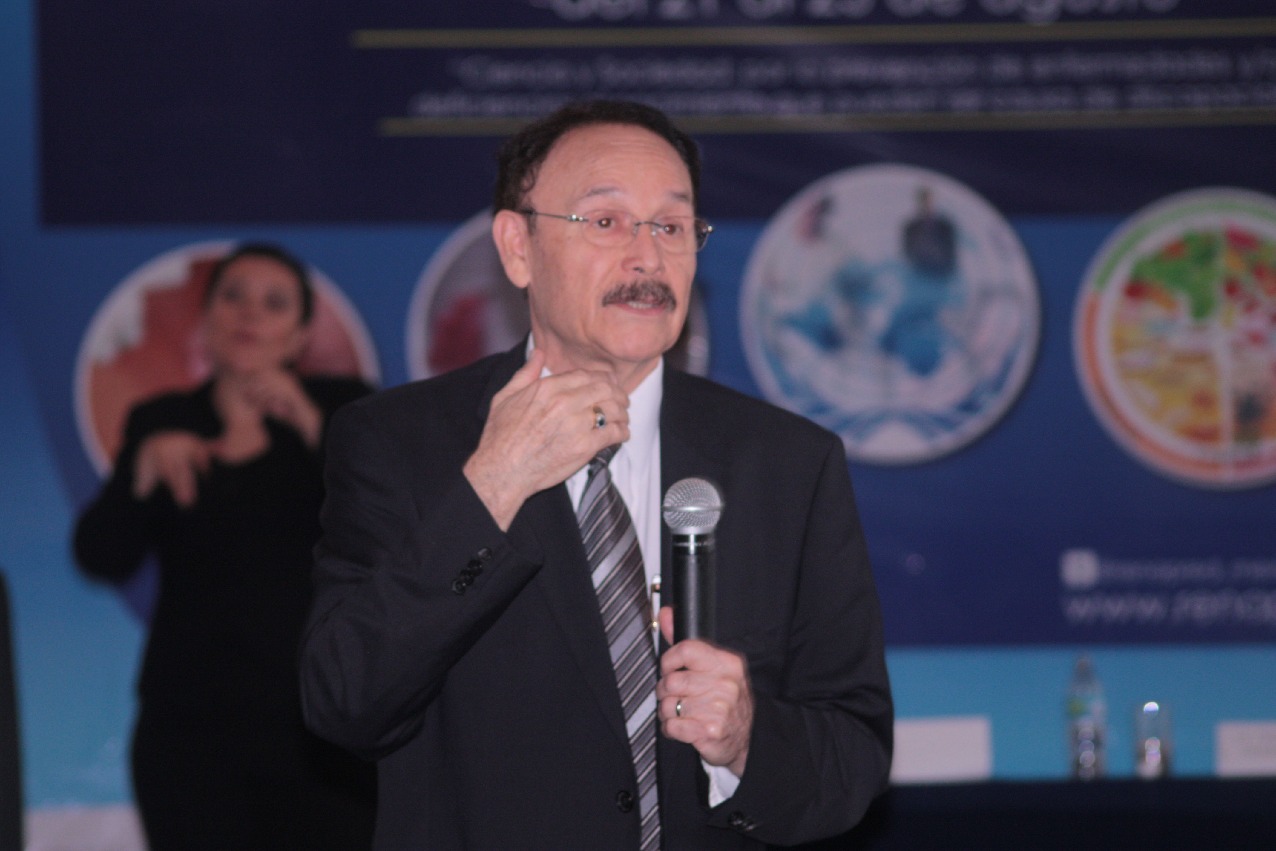Dr. Ricardo García Cavazos en el Encuentro Internacional RENAPRED