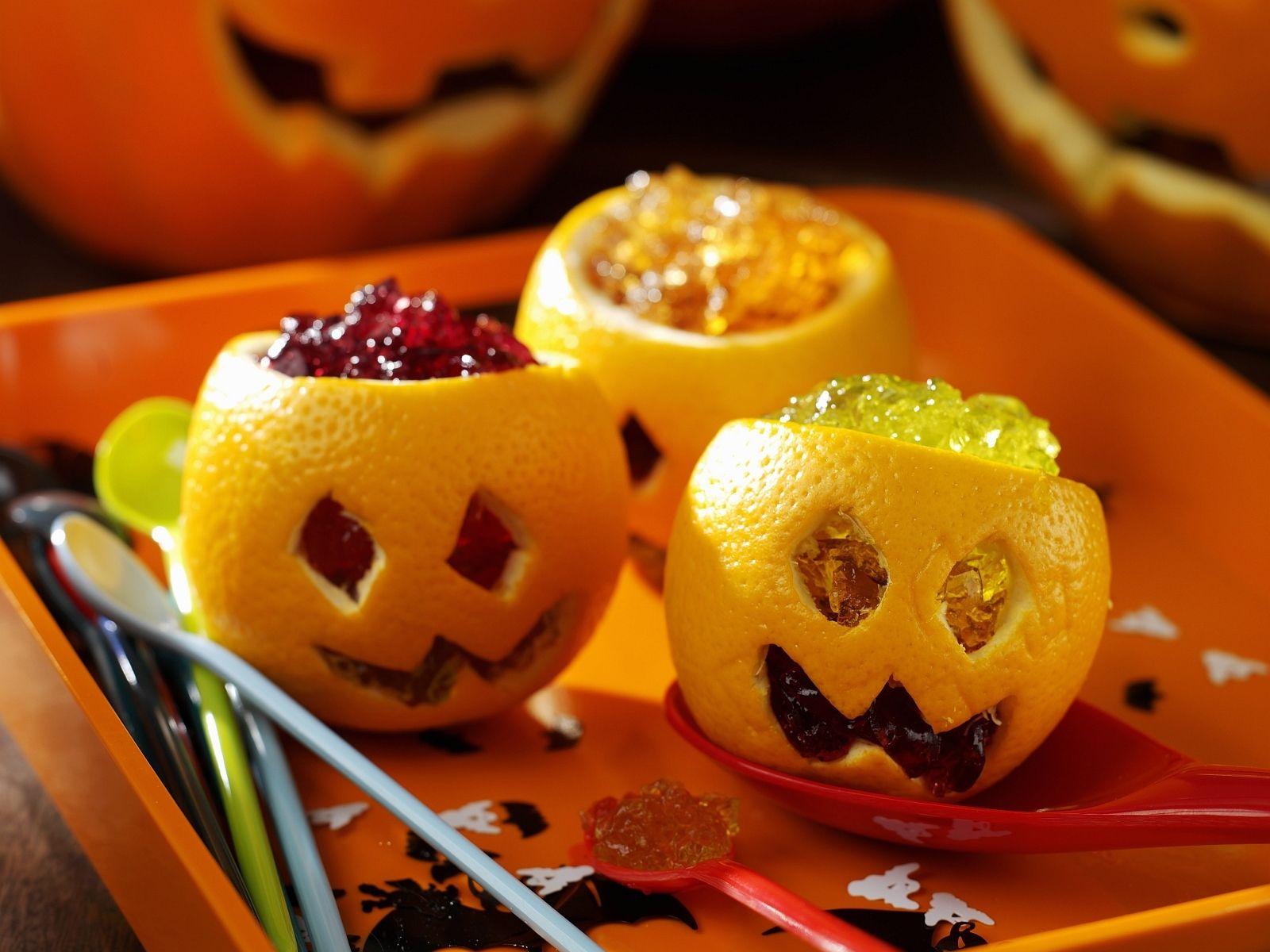 Götterspeise zu Halloween | Recipe | Halloween food crafts ...