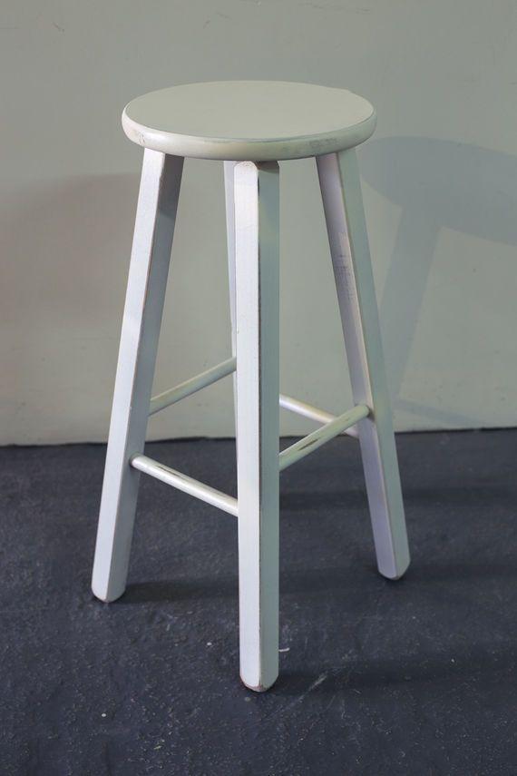 מדהים כסא בר מעץ בוק בעבודת יד. מושב הכסא עגול. ניתן להוסיף כרית ריפוד PD-77