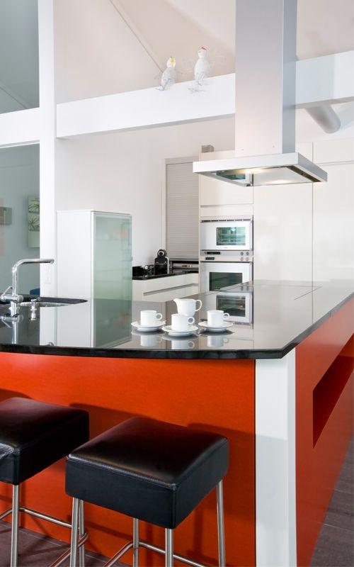 DAVINCI HAUS Küche Kitchen Diese wunderschöne, rote Küche lädt