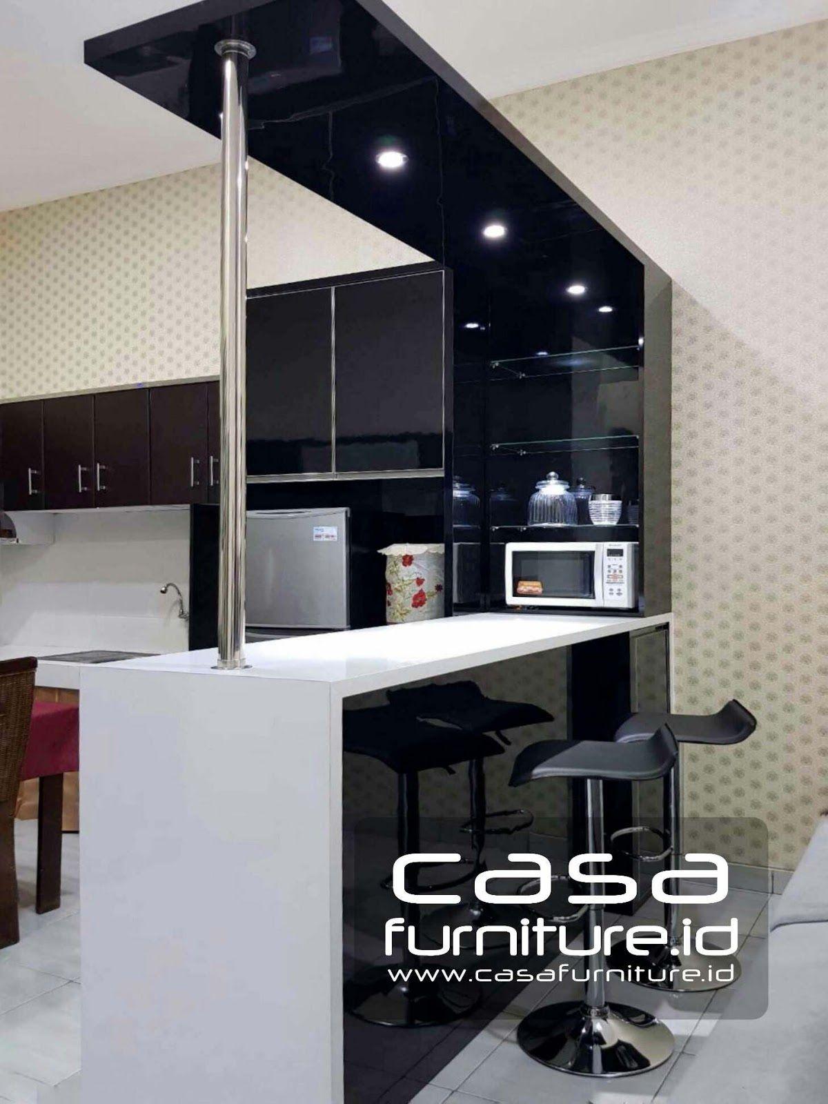 Meja Bar Minimalis Kombinasi Warna Hitam Putih Di Jurumudi Tangerang
