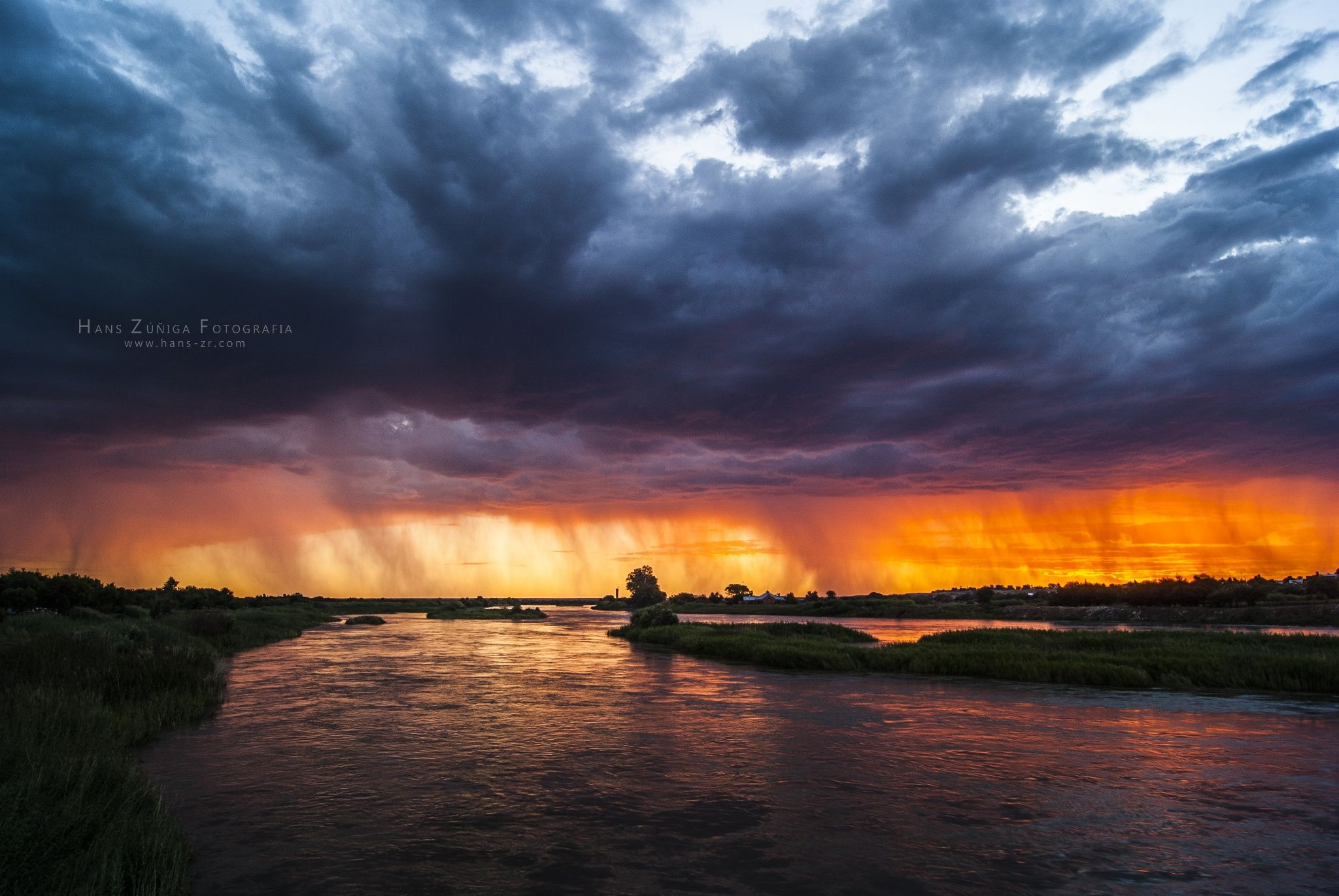 Photo River, rain and sunset by Hans Zúñiga Rojas on 500px