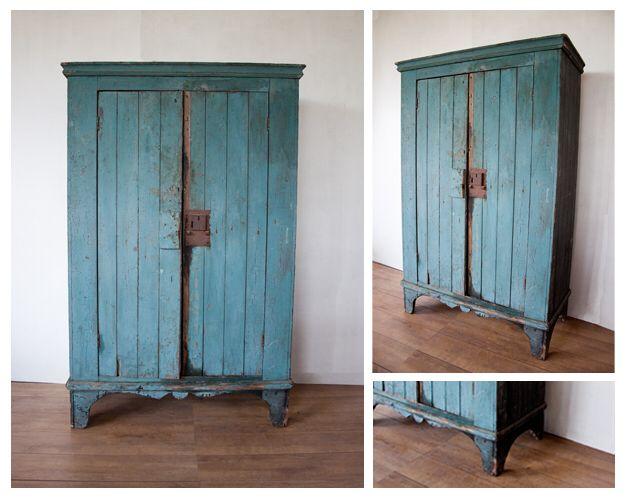 Afbeelding van http://bloodnewlabel.com/wp-content/uploads/blauwe_houten_brocante_kast_sfeer.jpg.