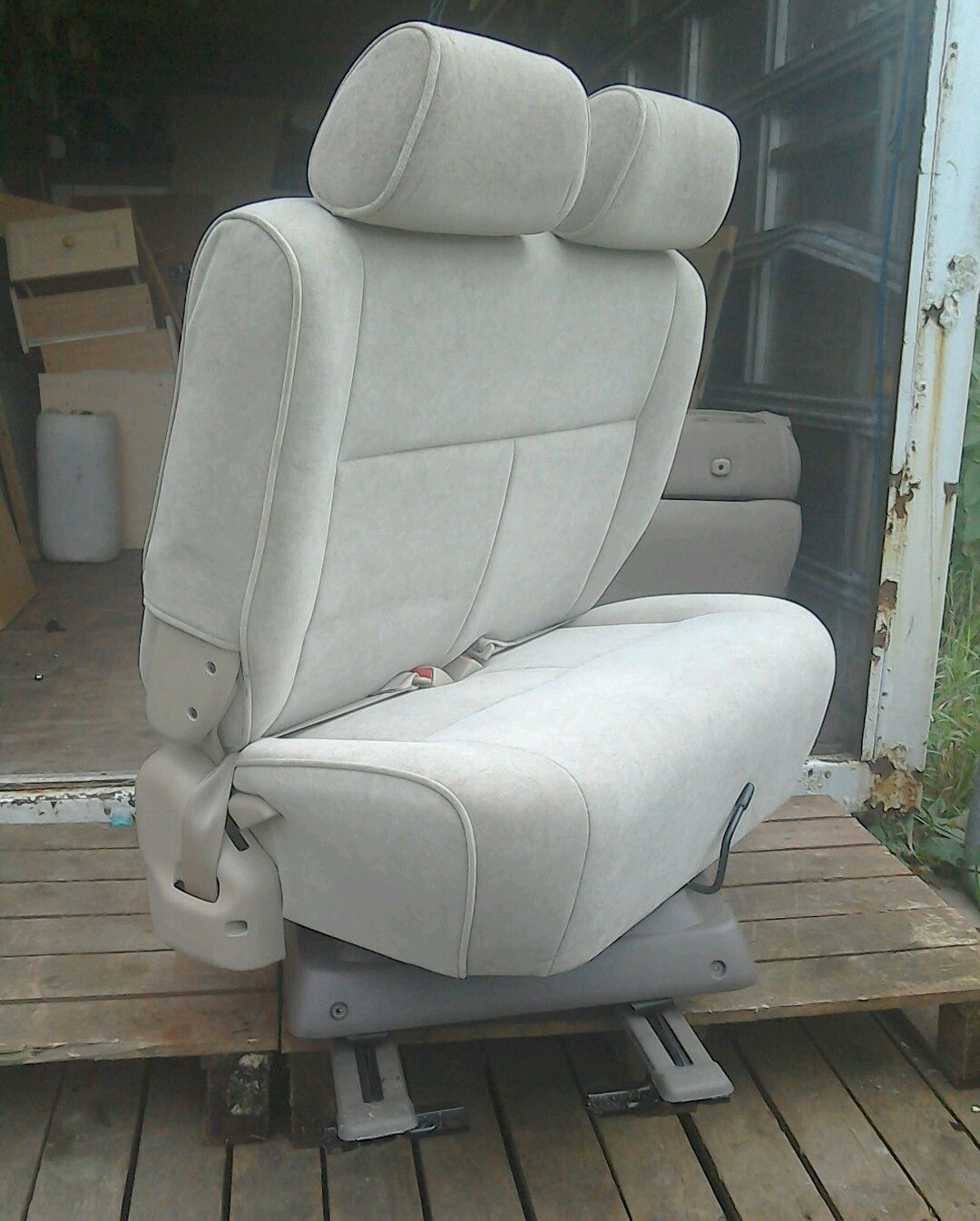 swivel chair mercedes sprinter best drafting chairs double seat captain bench camper van bed belts vw
