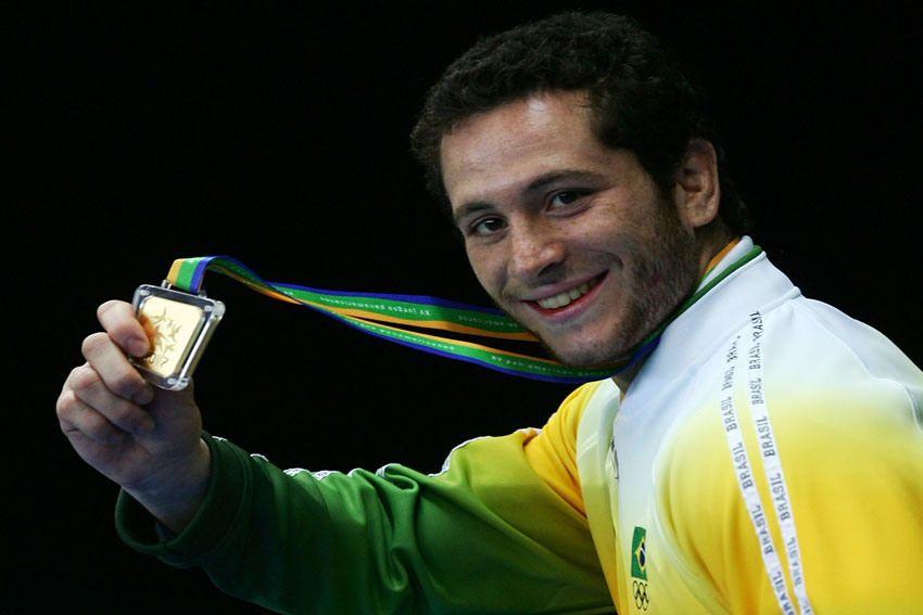 Encontro de Judô com presença do medalhista olímpico Tiago Camilo