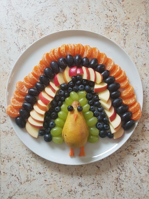 Pfau aus Obst