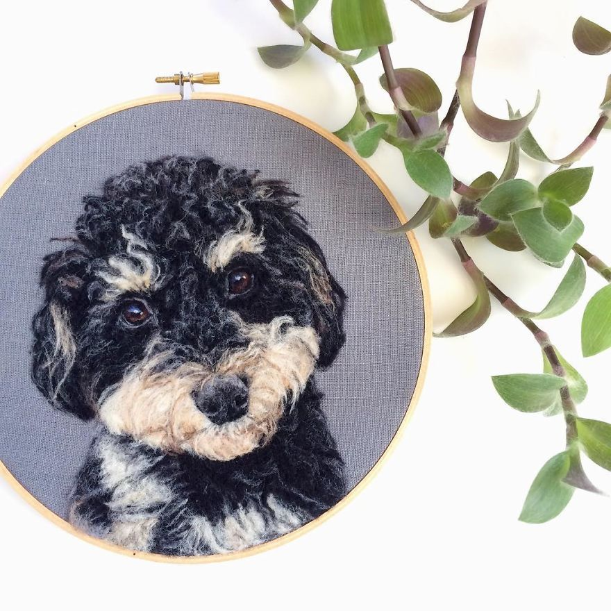 """Artist Uses Needle And Wool To """"Paint"""" Realistic Portraits Of Animals"""
