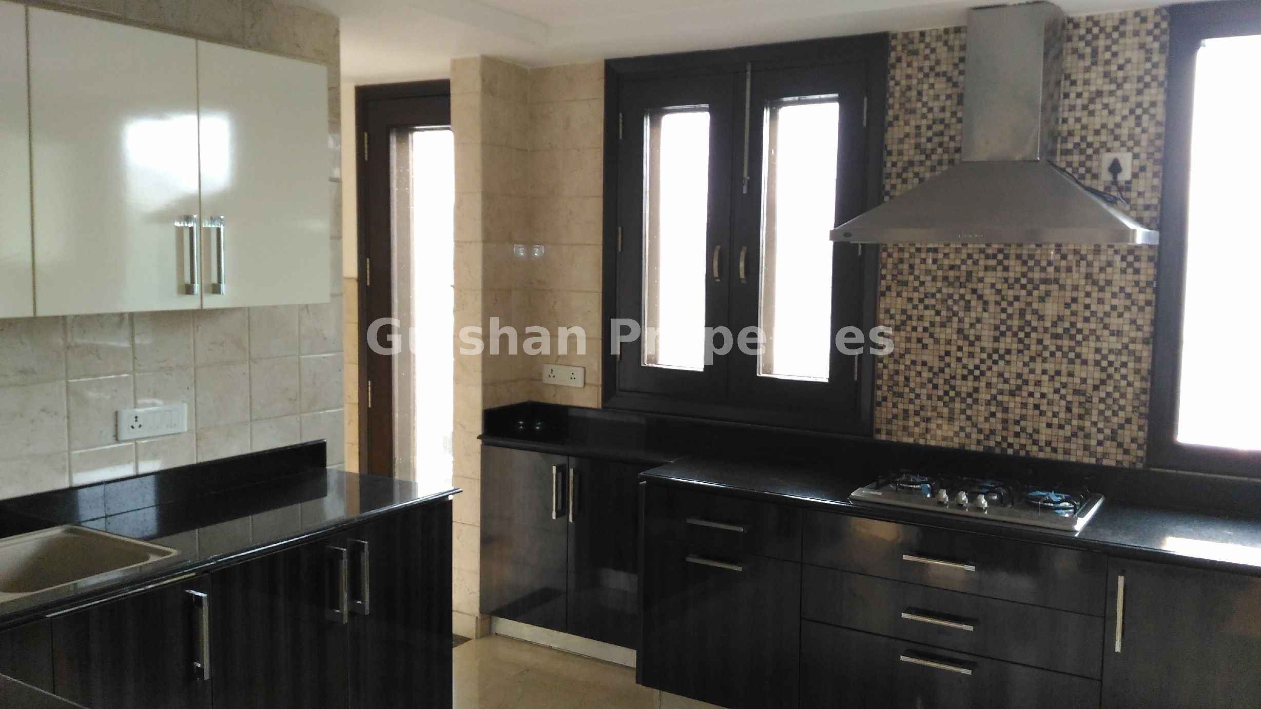 Flat For Rent 👉Location New friends Colony, New Delhi