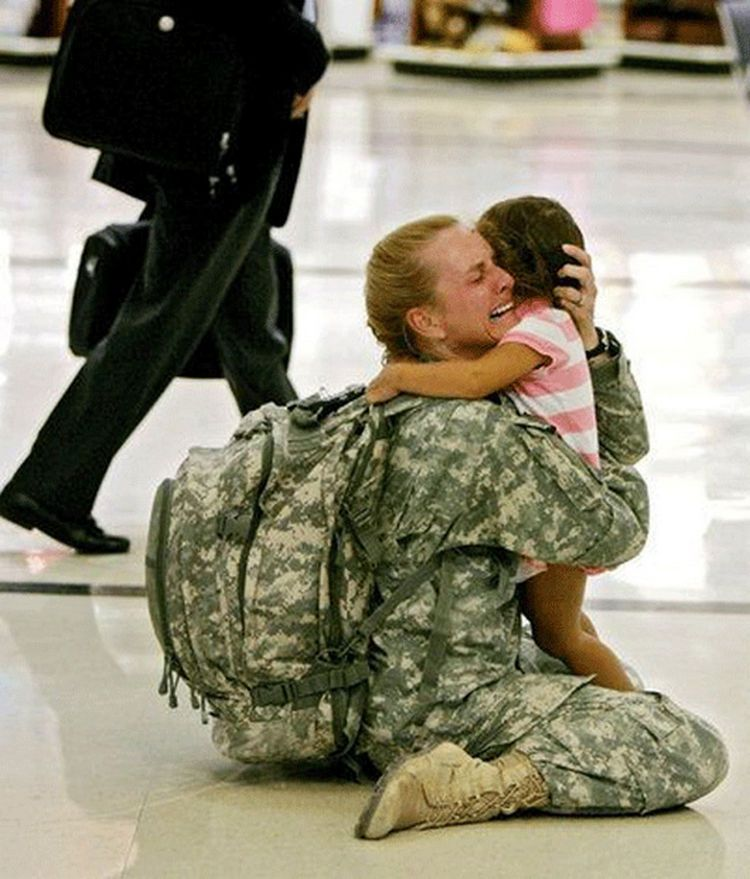 15 Soldiers Coming Home Will Make You Cry Tears Of Joy Human Military Mothers Love