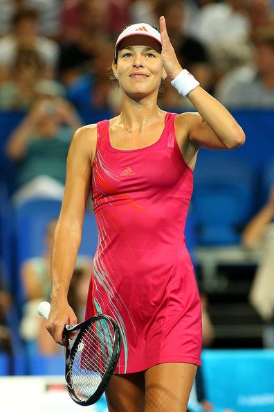 Ana Ivanovic in pink at the Hopman Cup 2012/2013