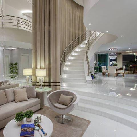 Dúvida da Leitora - Salas Integradas com Escada e Pé direito Duplo - interiores de casas