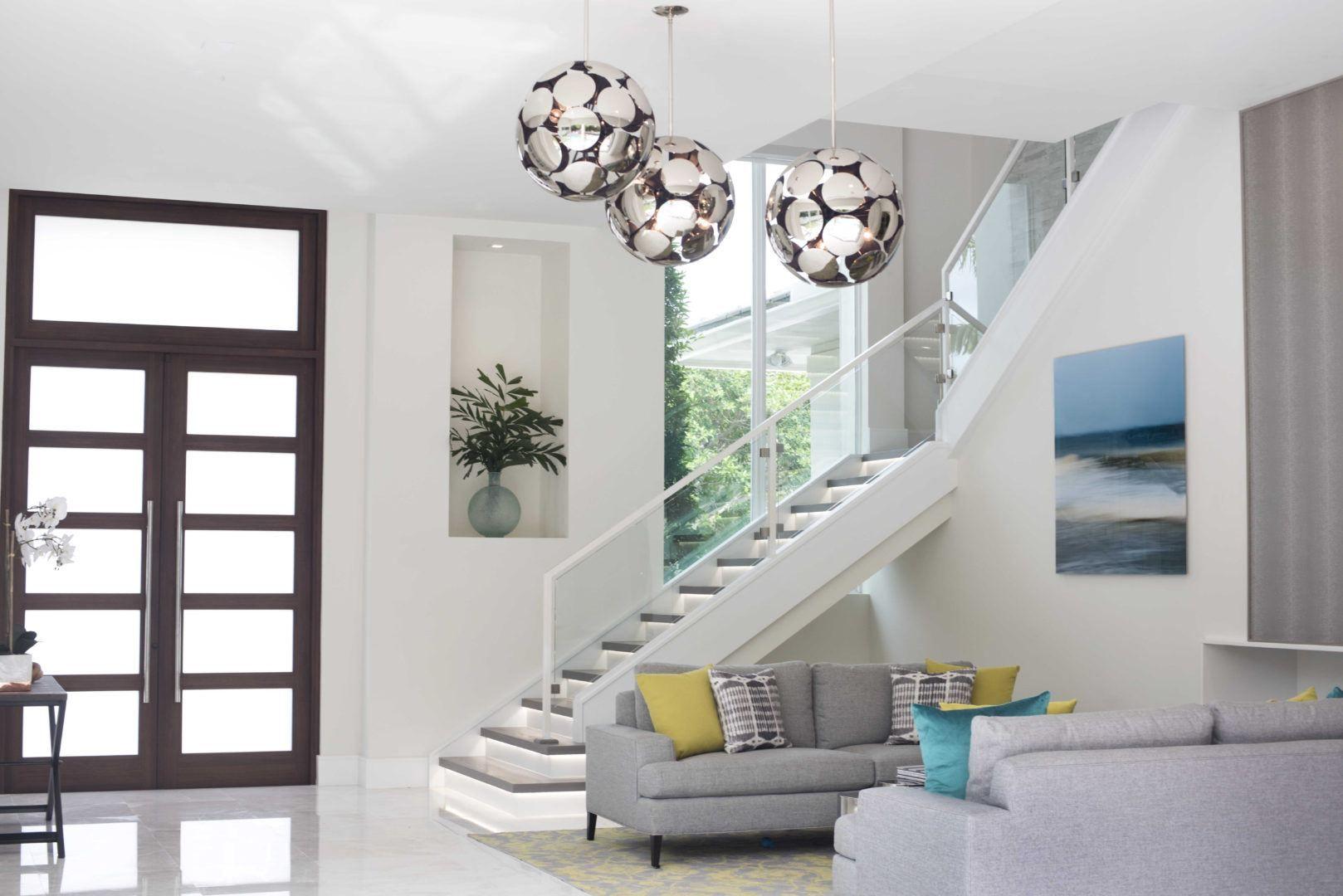 Delray Beach interior design - entrance and home decoration created by interior designer, Olga Adler. #delraybeachinteriordesign #floridainteriors #homedecor #delraybeach #florida