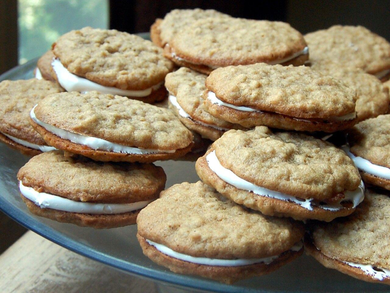 Cassie Craves: Oatmeal Crème Pies