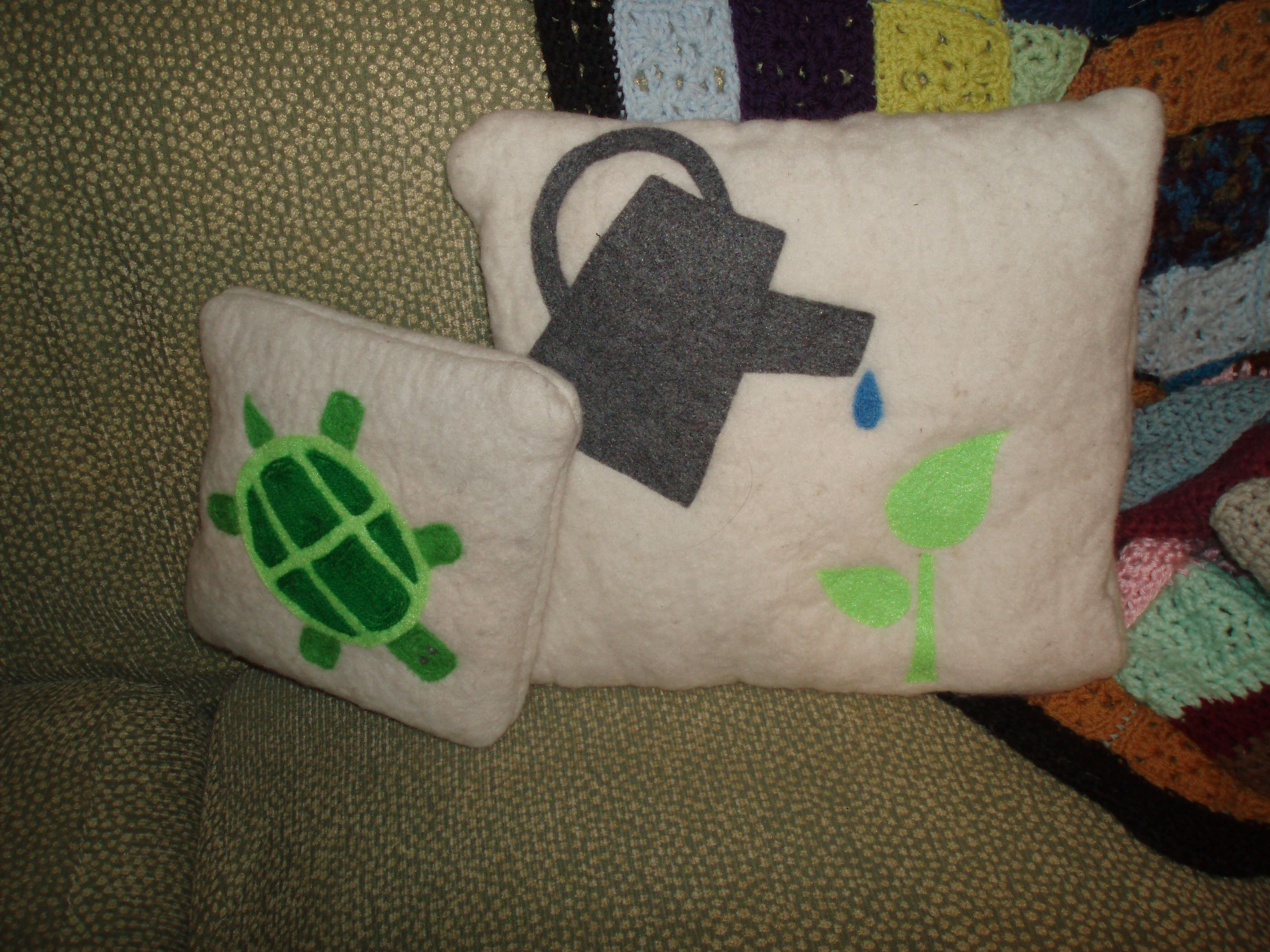 Needle felted mouse throw pillow. Sofa
