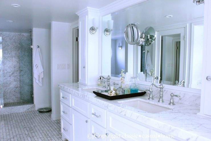 White Marble Countertops With White Cabinets Traditional Bathroom Classic Casual Home Bathroom Interior Design White Marble Countertops Marble Bathroom
