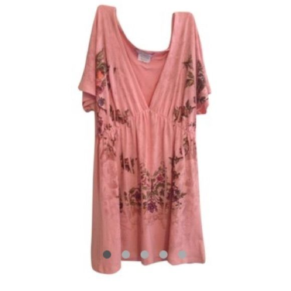 NWOT Floral tunic This is a v-neck tunic. It's light weight and made of polyester. It's soft to the touch. The shirt has butterflies and flowers on it. Daniel Benjamin Dresses Midi