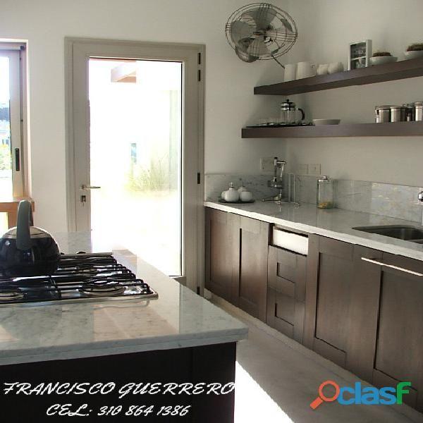 Cocina integral con mesones en granito marmol quarztone | Cosina ...